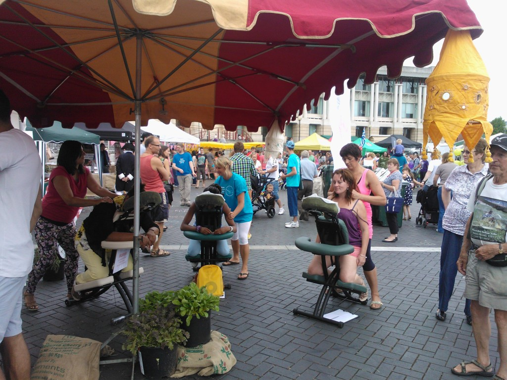 Bringing happiness to Harbour Festival through low cost massage